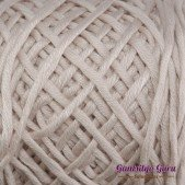 Gantsilyo Guru Bulky Cashmere Blend Light Buff
