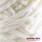 Gantsilyo Guru Super Bulky Chenille Antique White